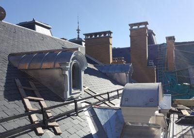 Travail de zinguerie sur toiture hôtel Bernascon par Vernoud Lansaque